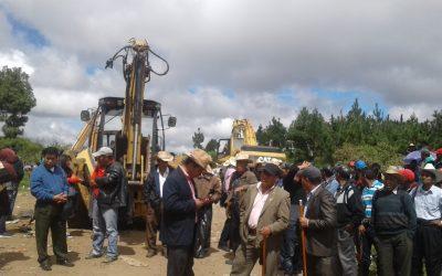 Apoyo del Gobernador Departamental de Totonicapán en la Limpieza del Basurero Clandestino de San Francisco el Alto Totonicapán, con el Apoyo de Tractores para la Limpieza 21/10/2017